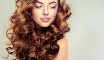 Jak pečovat o vlasy v zimě, aby zůstaly zdravé
